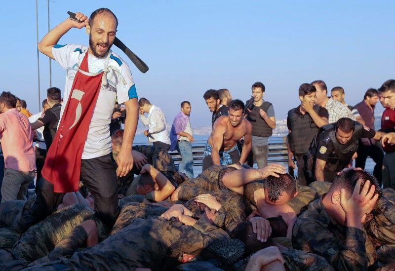 07_29_Turkey_Coup_01
