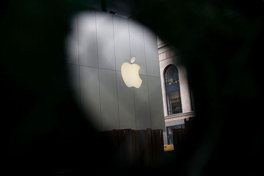 Apple earnings iPhone 7 sales