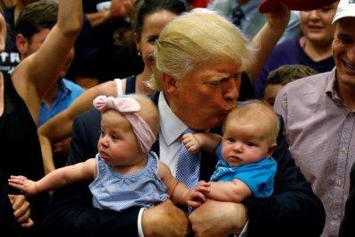 08_01_Trump_Fake_01