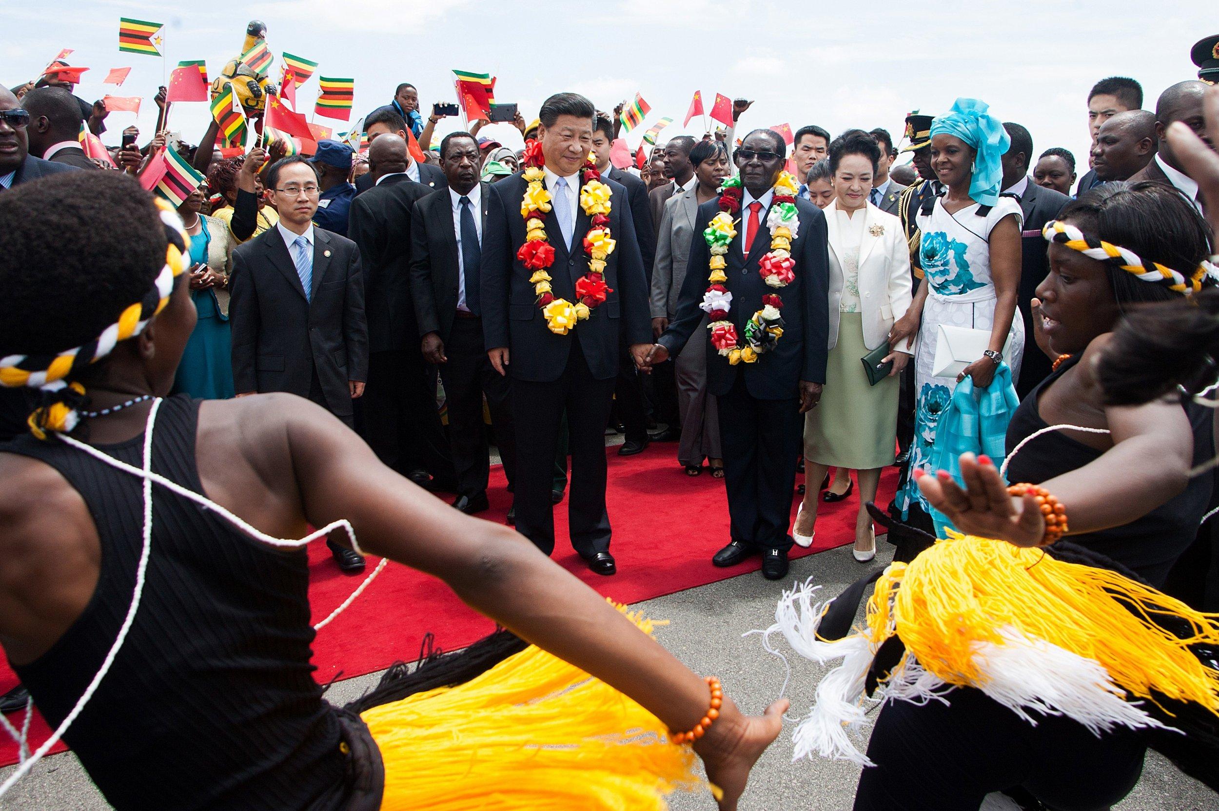Xi Jinping and Robert Mugabe