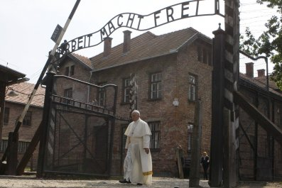8-3-16 Pope Francis at Auschwitz