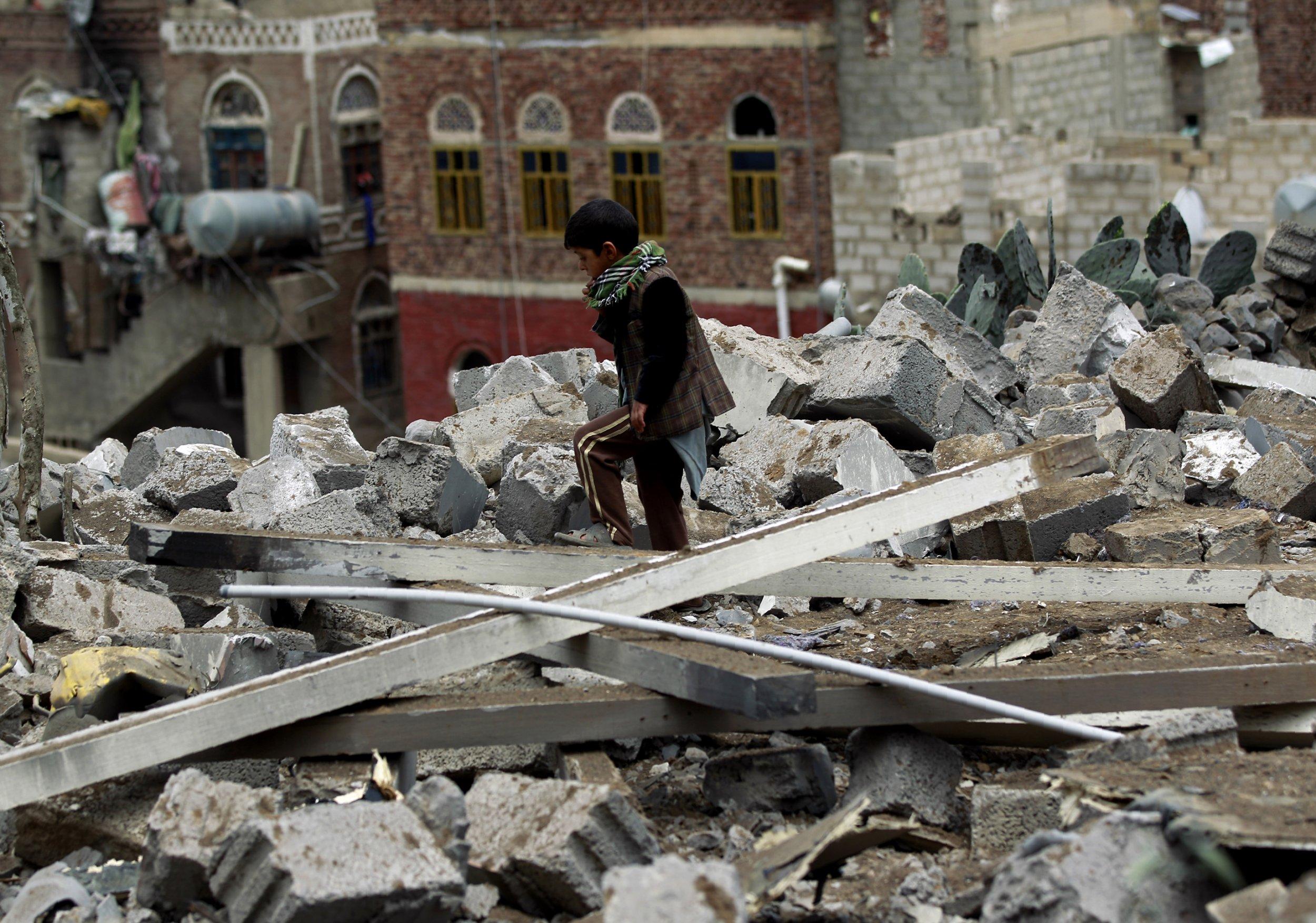 Yemen rubble