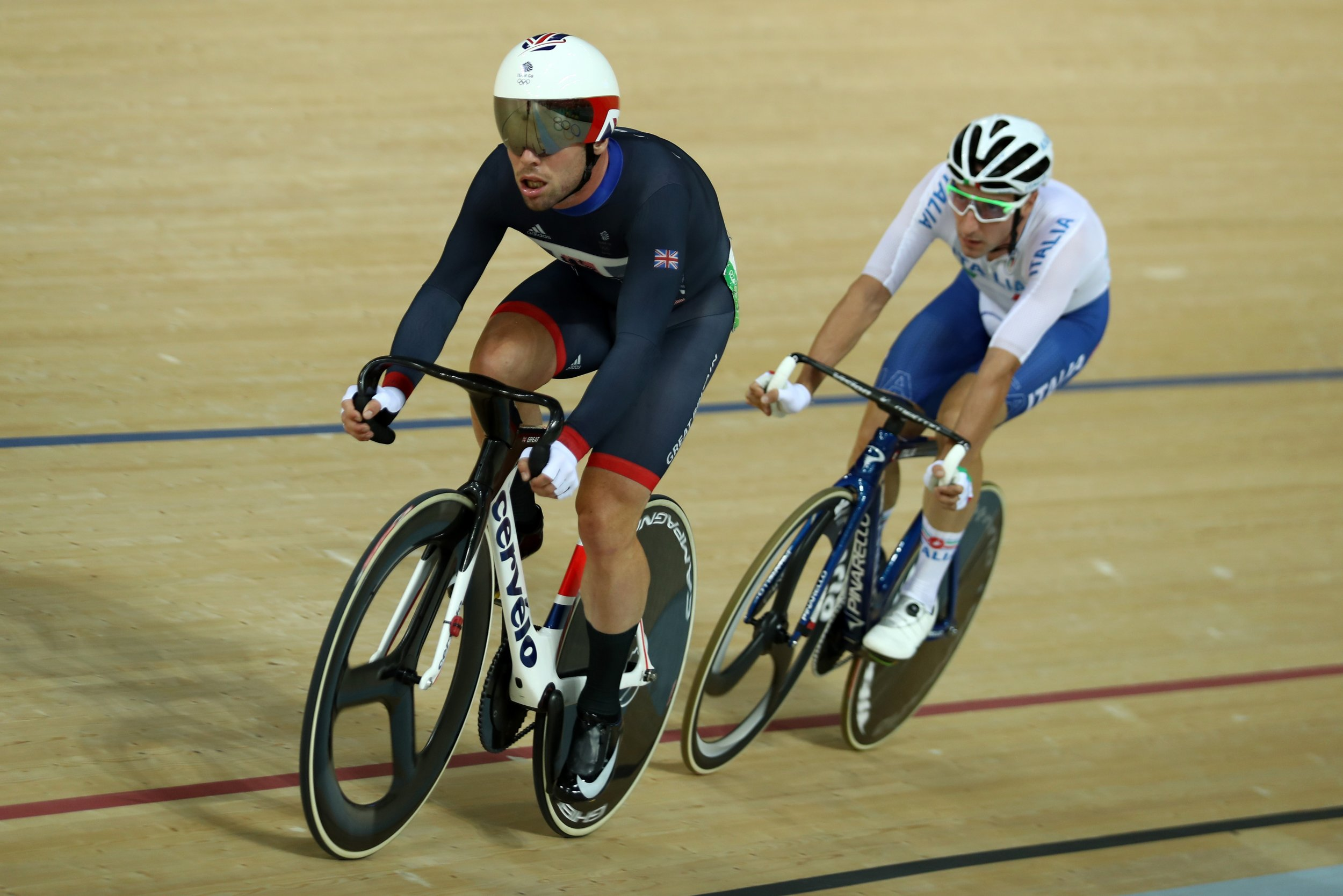 British cyclist Mark Cavendish, left