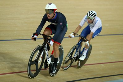 British cyclist Mark Cavendish, left