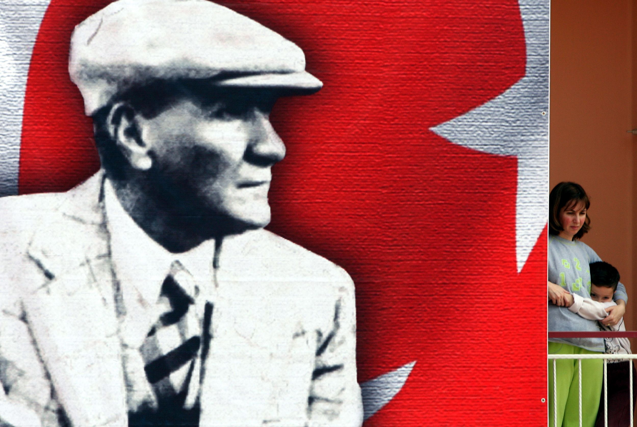 08_19_Ataturk_Erdogan_01