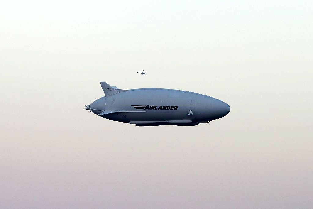 watch flight airlander 10 hybrid air vehicles