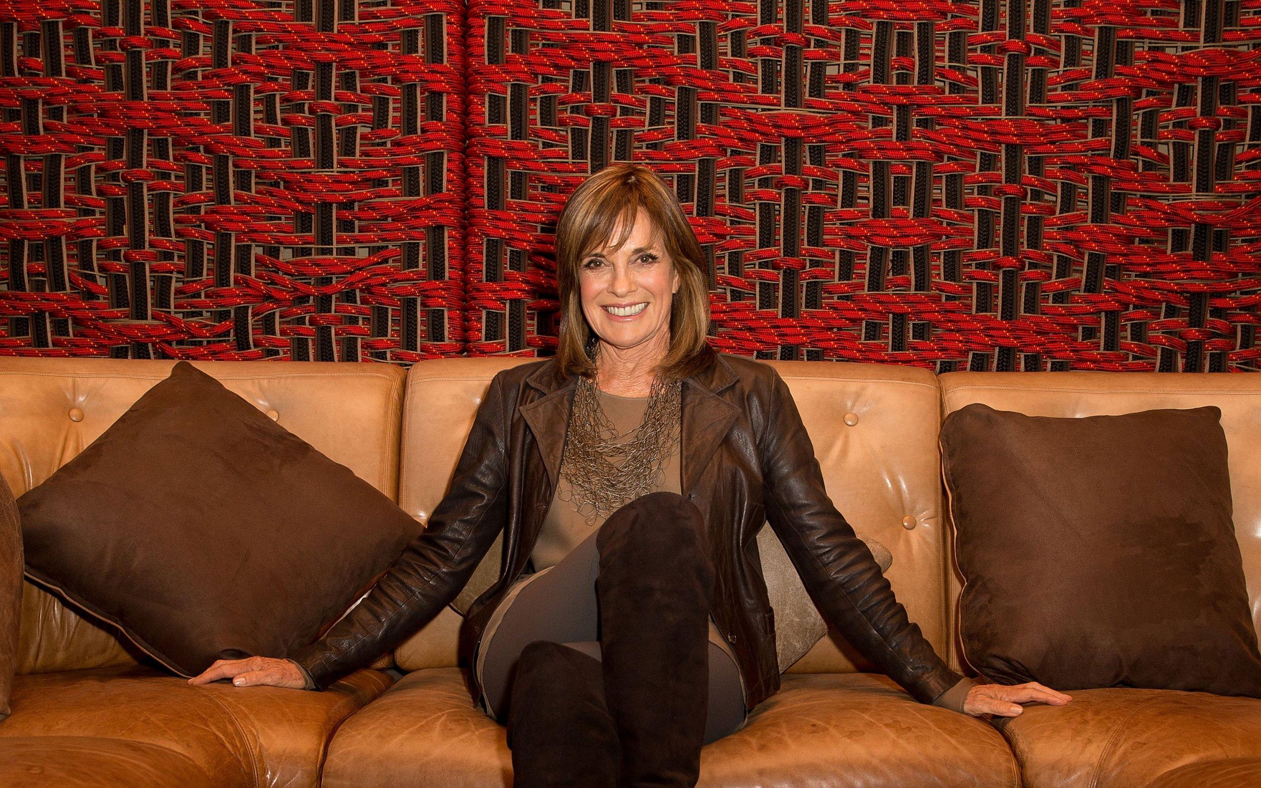 Linda Gray Swaps Dallas For U K Soap Opera Role