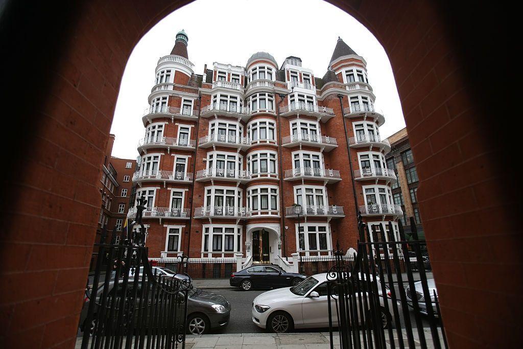 julian assange wikileaks ecuadorian embassy