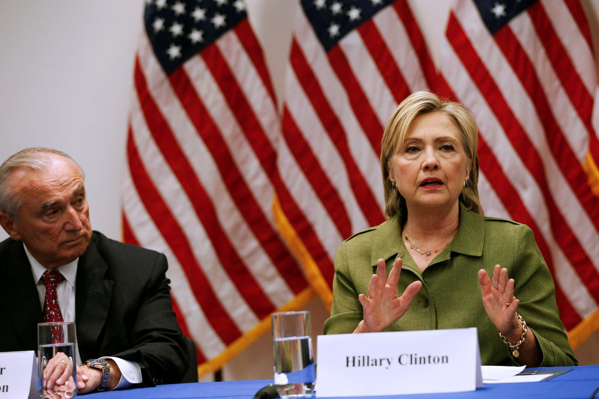 08_18_Clinton_police