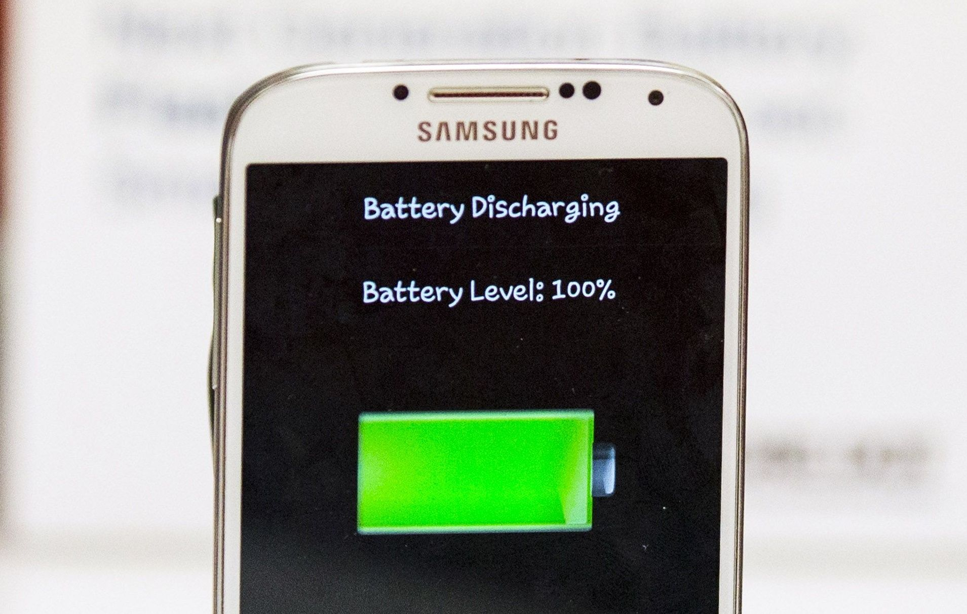Battery Breakthrough Doubles Life of Smartphones and Electric Cars