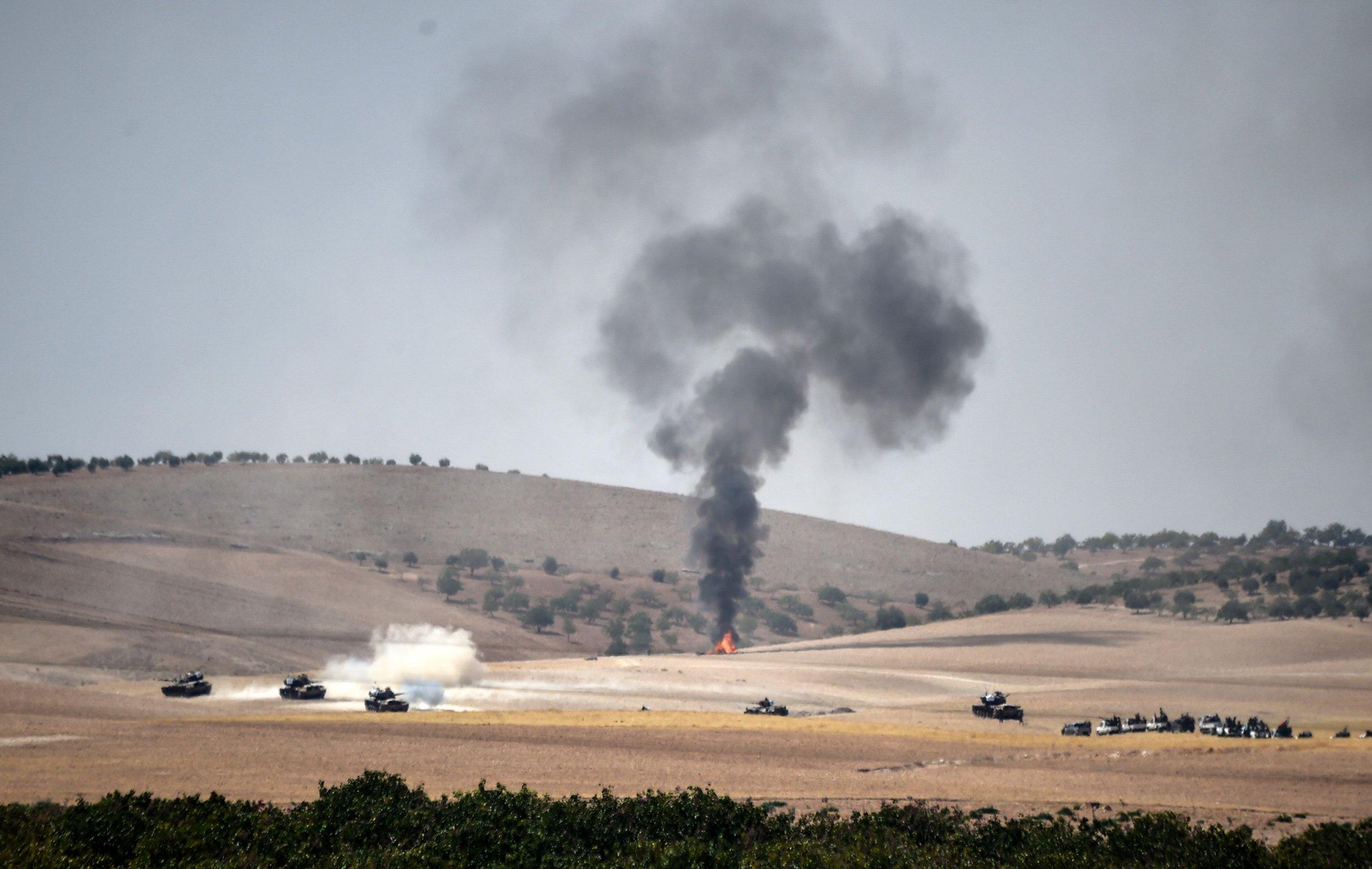 Turkish tanks on the Syrian border