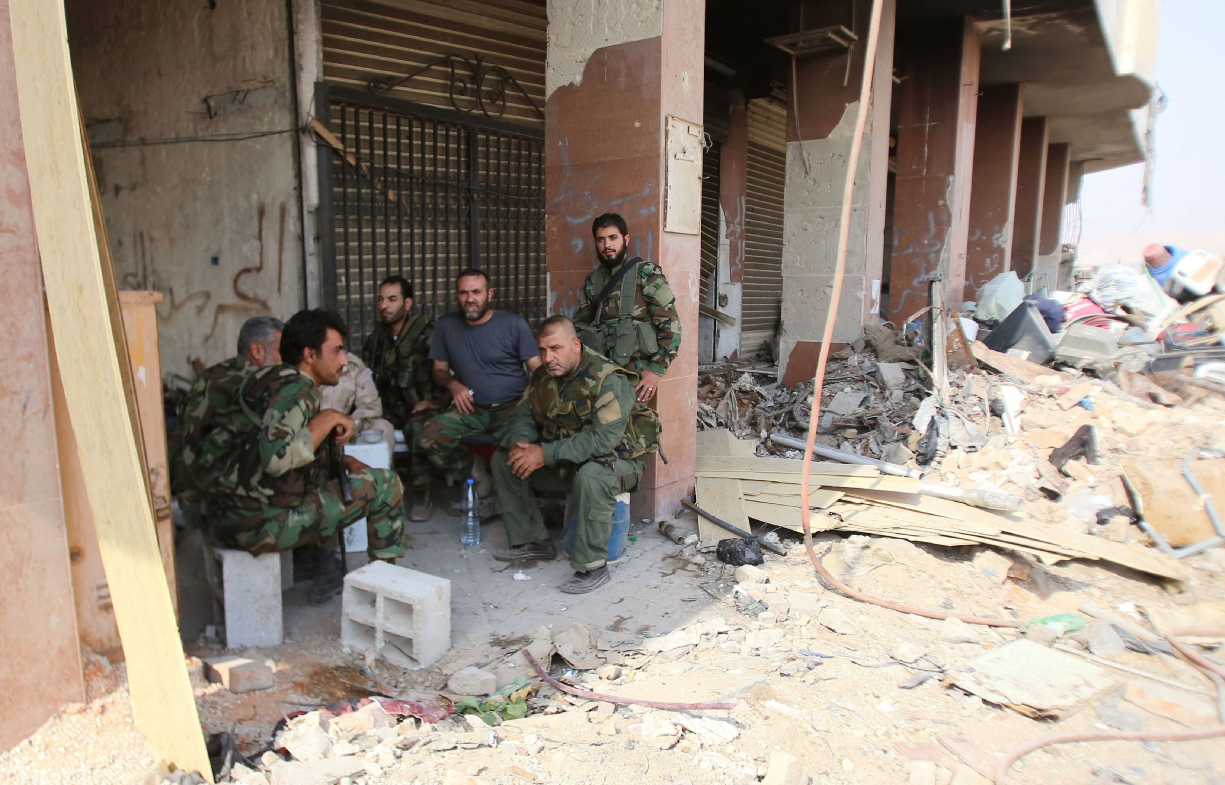 Syrian army soldiers in Daraya