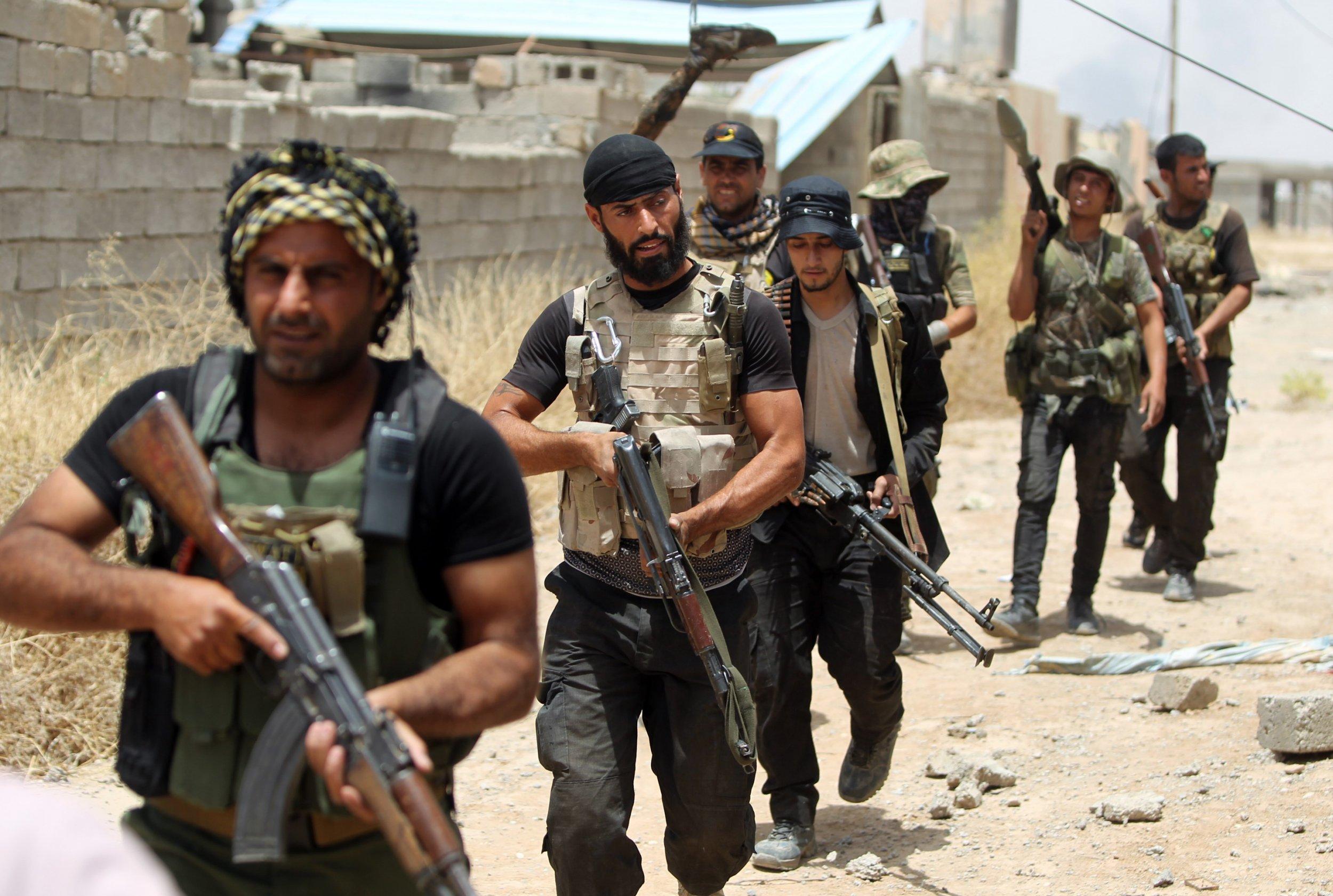 Iraqi militiamen in Baiji