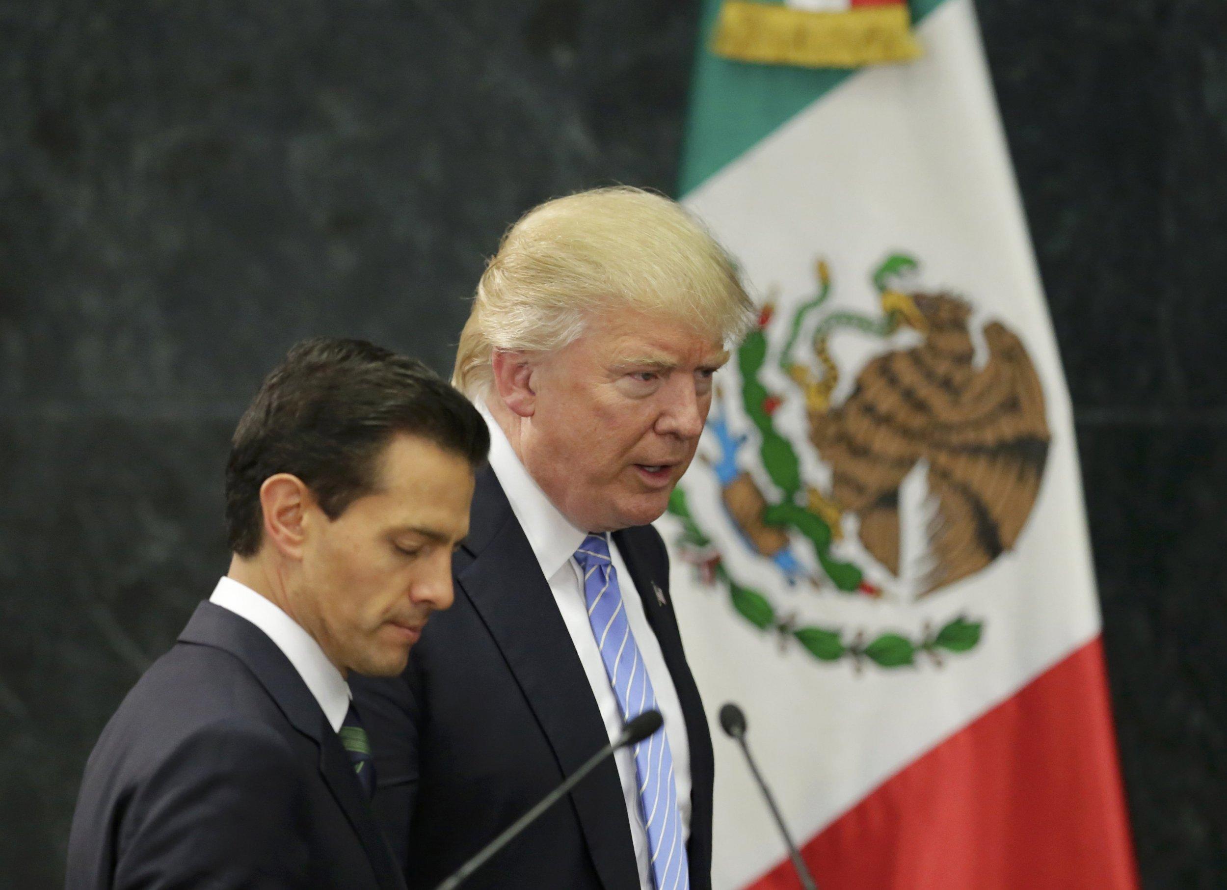 09_01_Trump_Mexico_01