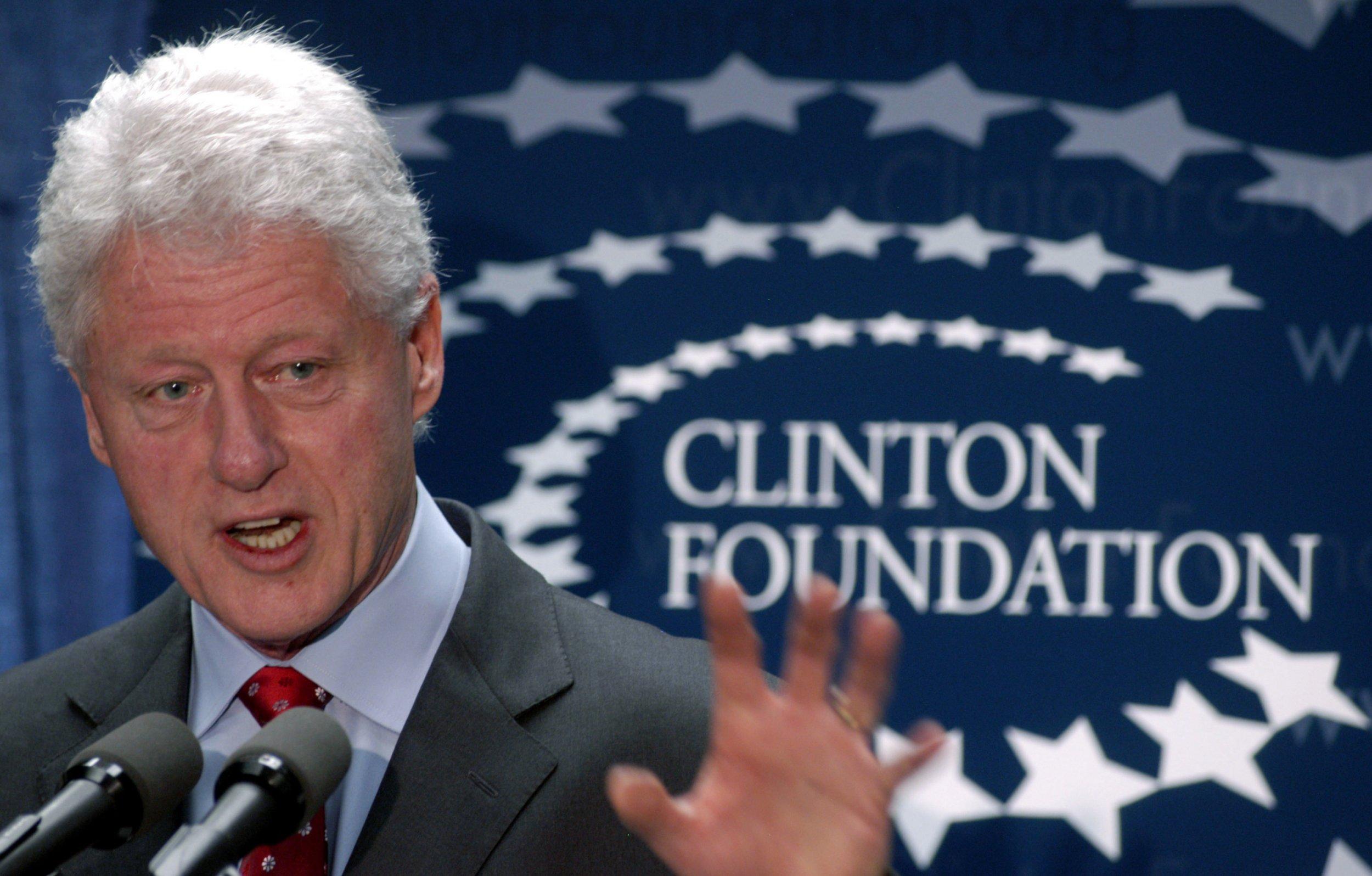 09_01_Clinton_Scandal_01