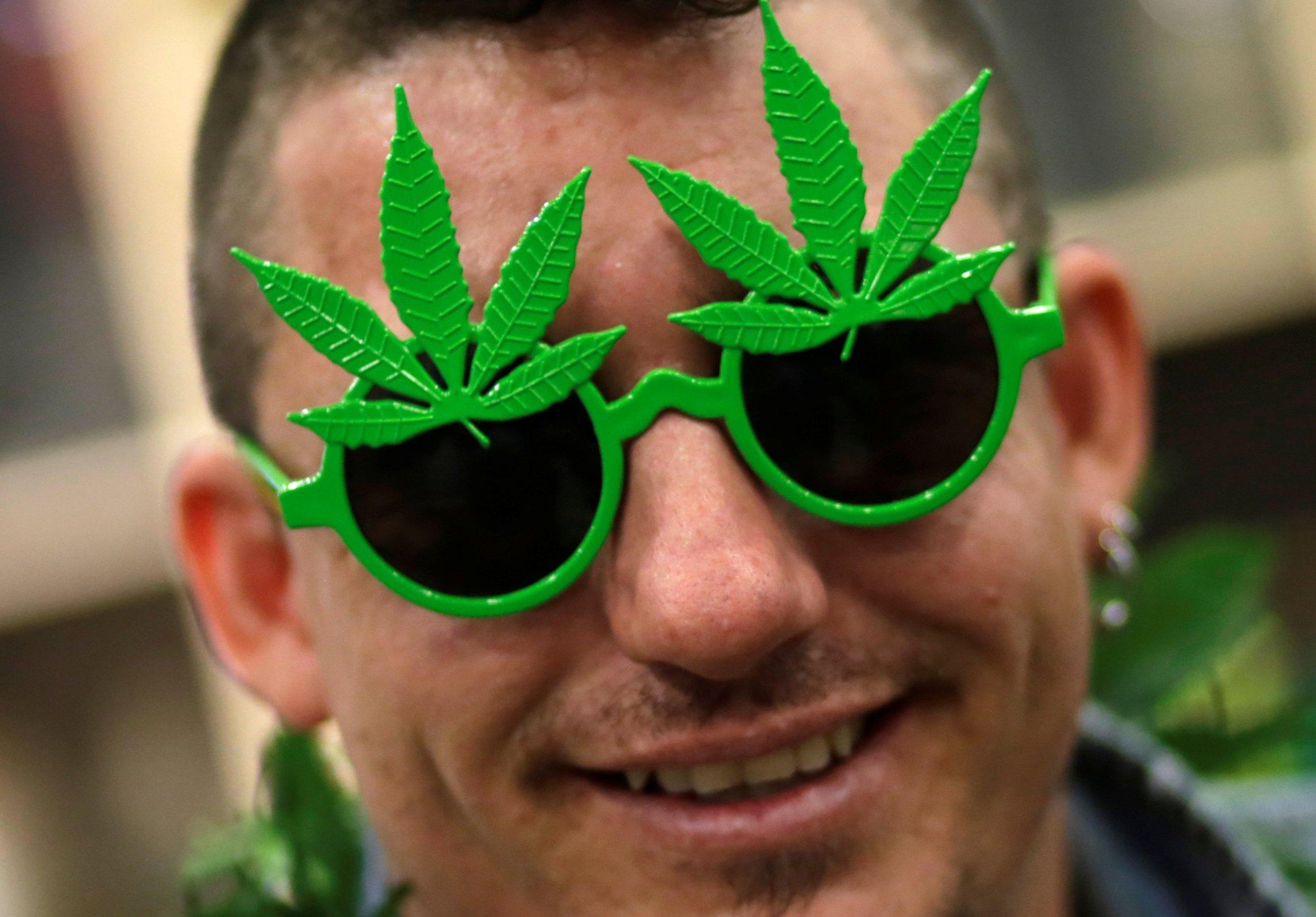 09_03_Marijuana_Legal_01