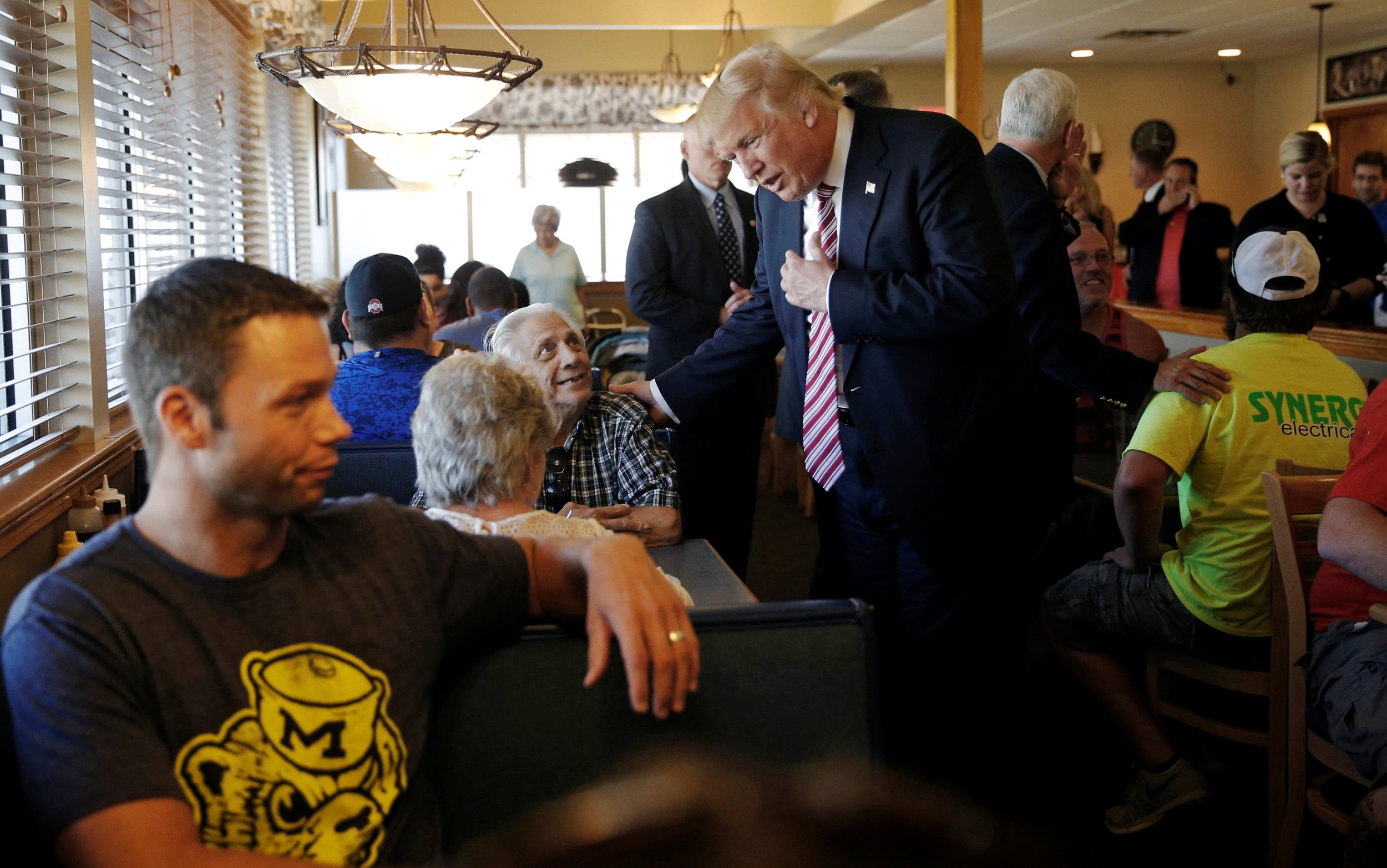09_06_Trump_Rich_01
