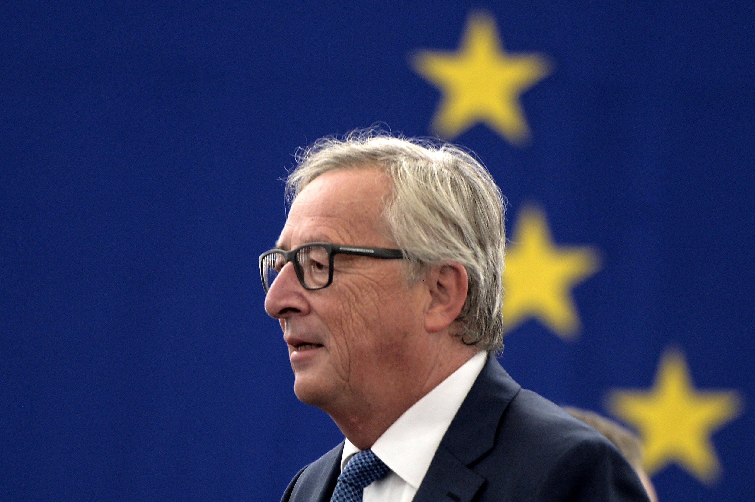 Theresa May heads to Brussels to chalk out post-Brexit plan with Juncker