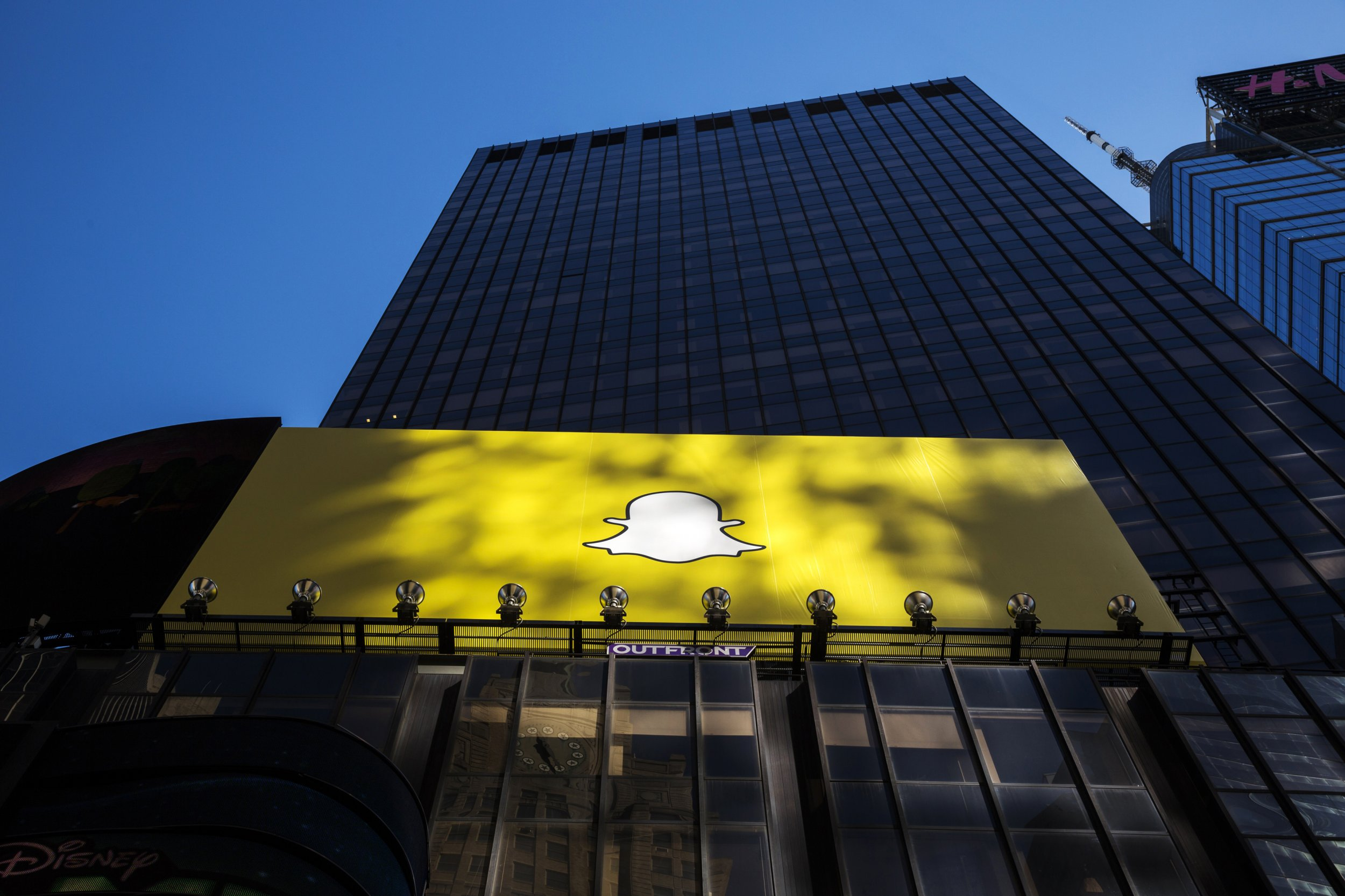 Why Twitter, Facebook, and Google Investors Should Be Afraid of Snapchat