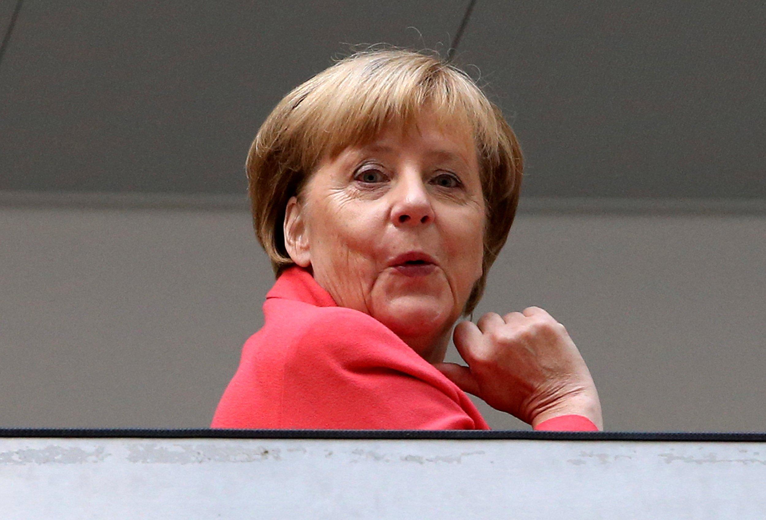 09_21_Merkel_Demise_01