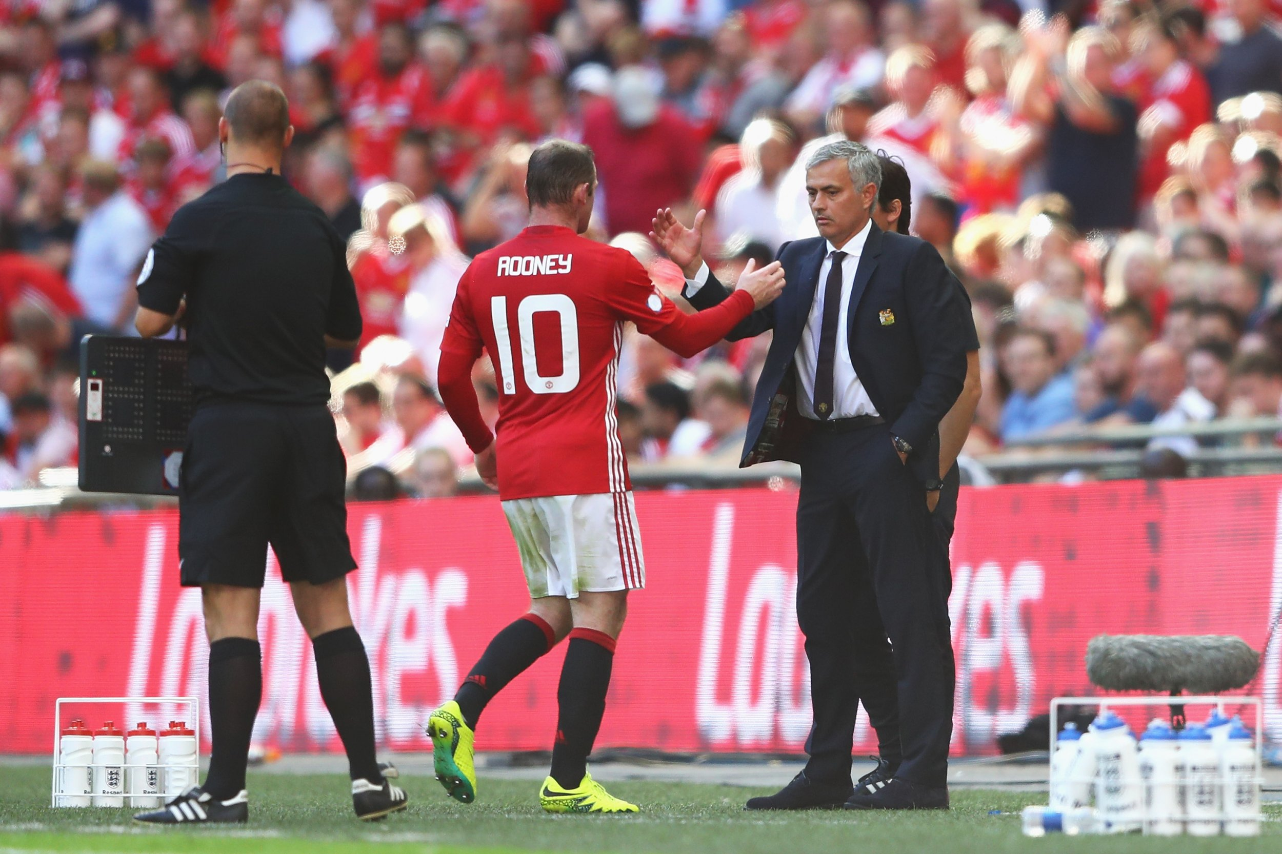 Jose Mourinho with Manchester United captain Wayne Rooney