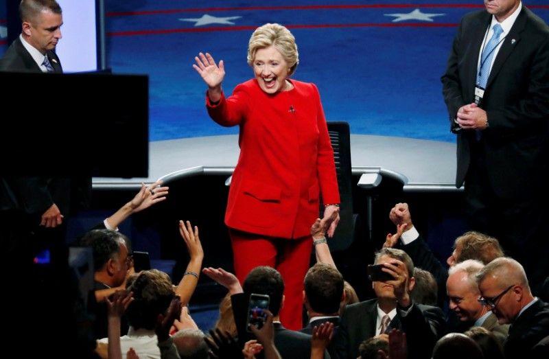 928_Clinton debate gains
