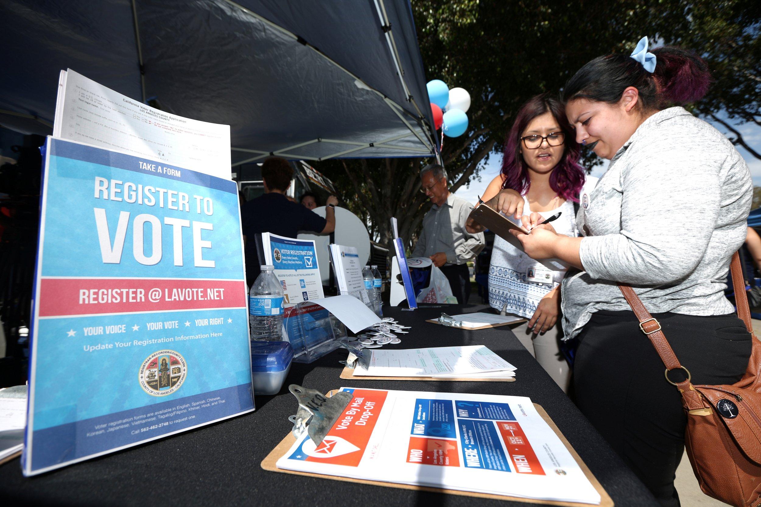 National Voter Registration Day >> Social Media Sites Are Making Voter Registration Easier Than Ever Before