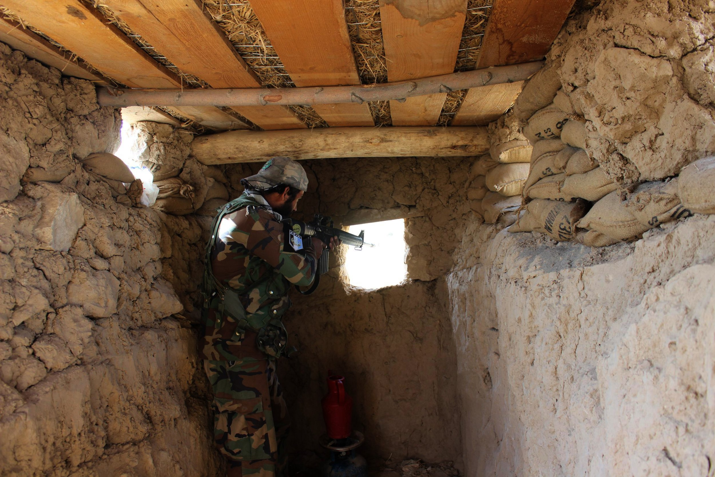 Afghanistan Forces tackle Taliban