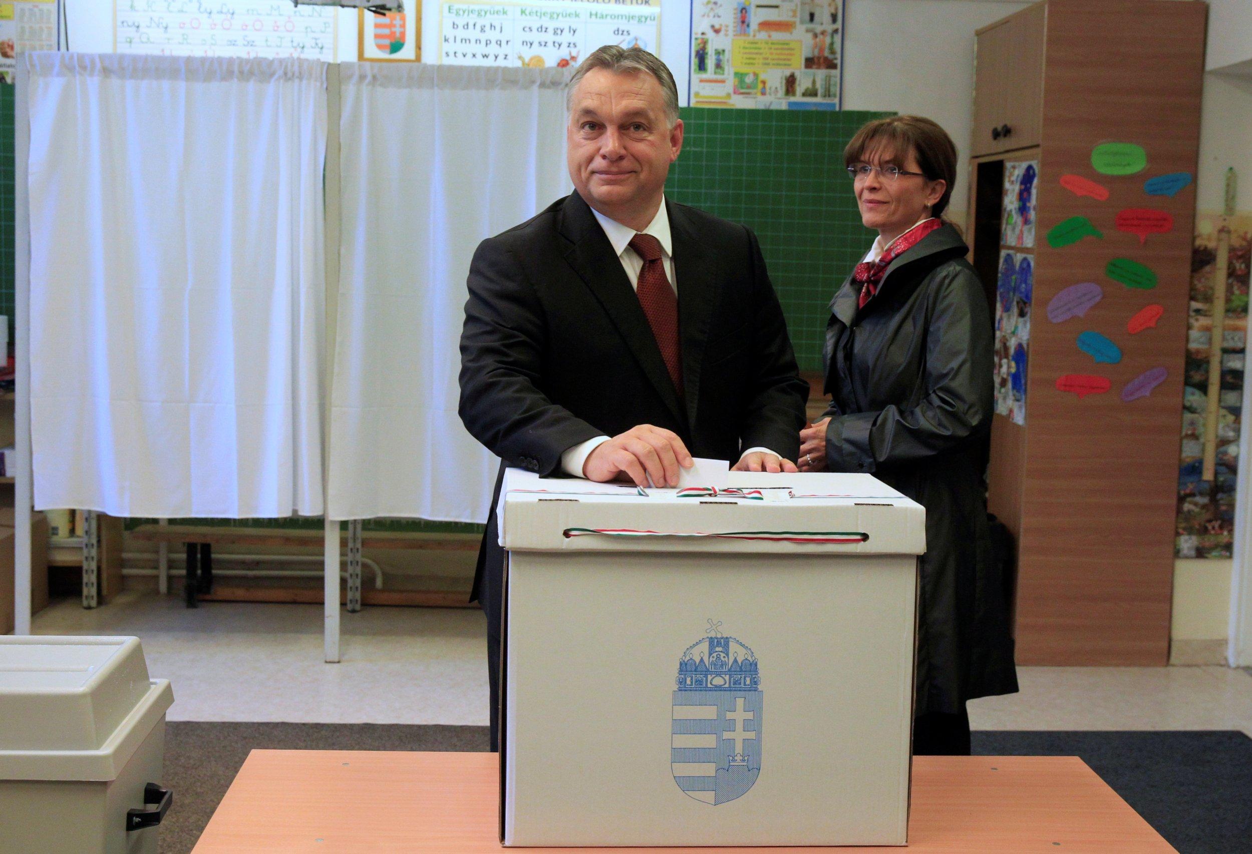 Viktor Orban votes