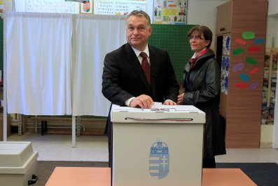 Viktor Orban votes