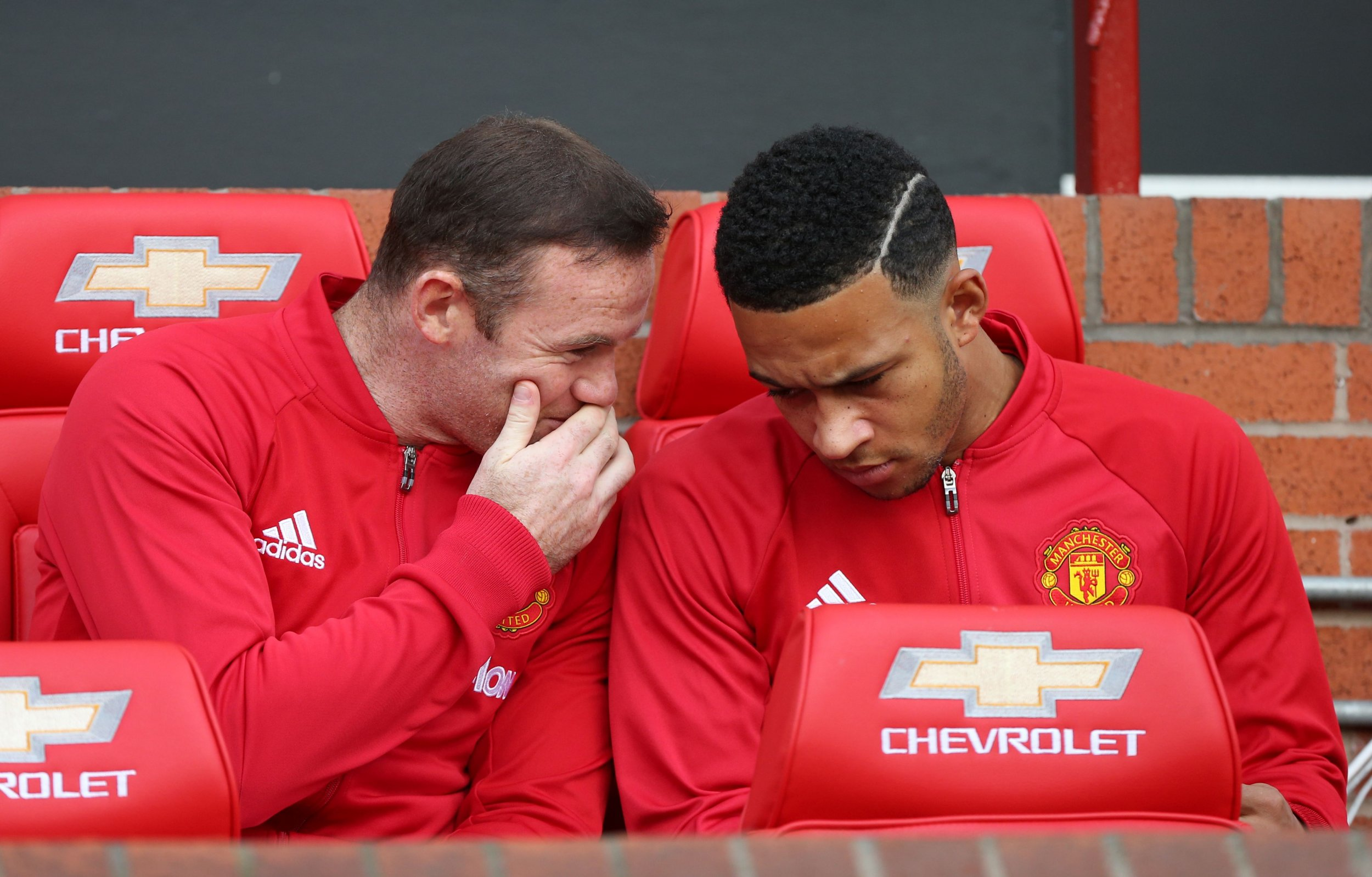 Manchester United star Memphis Depay, right