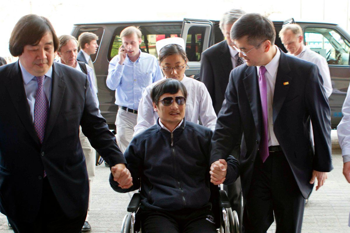 chen-guangcheng-co05-main-tease