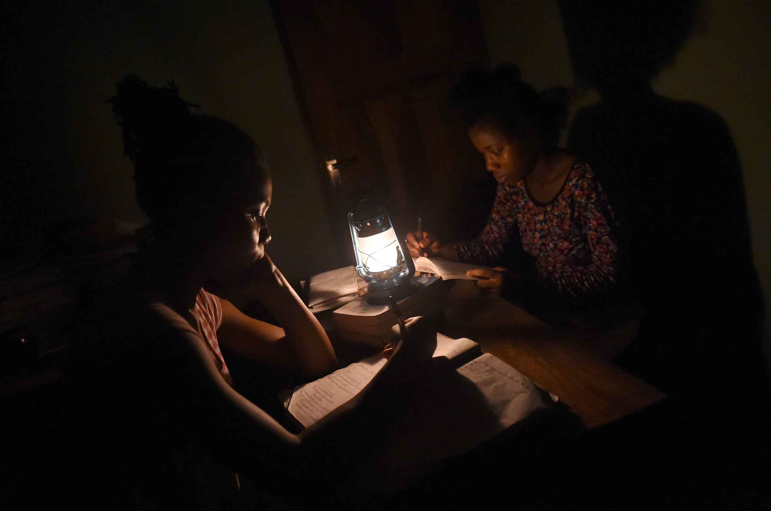 Nigeria students in darkness