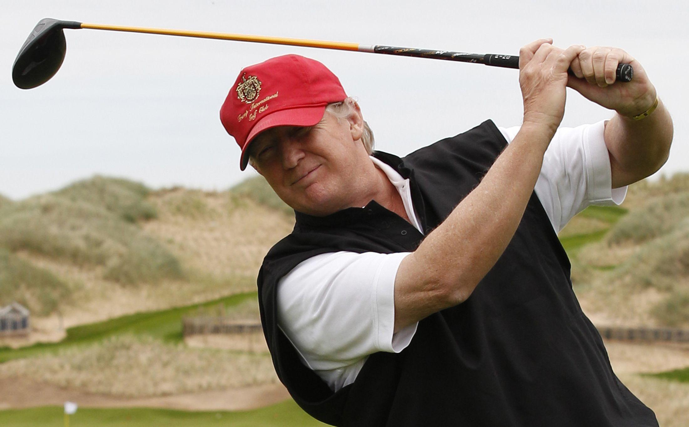 10_15_Trump_Golf_01
