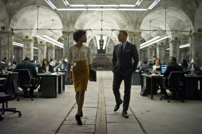 Naomie Harris and Daniel Craig in Spectre
