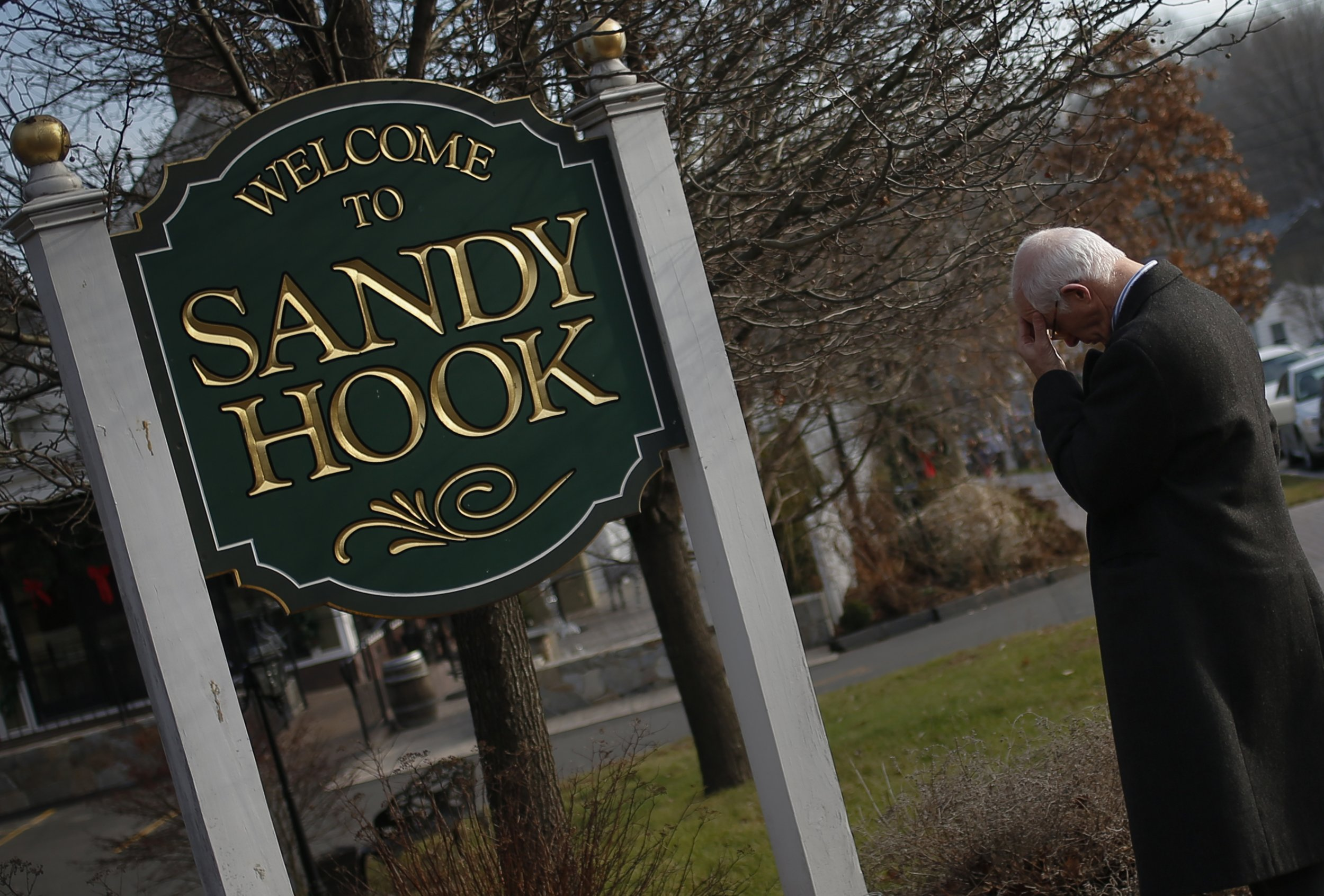 1014_Sandy_Hook_lawsuit_dismissed_01
