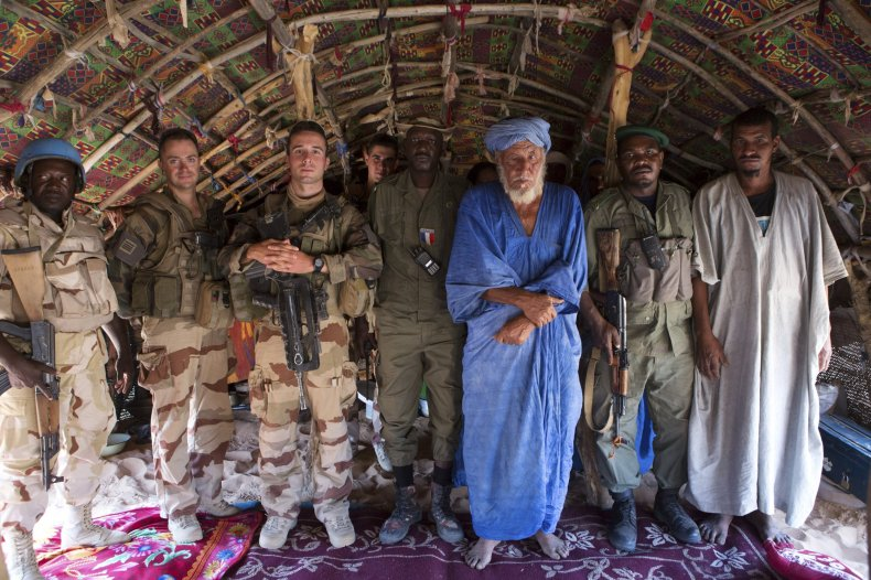 French soldiers with Malian chief