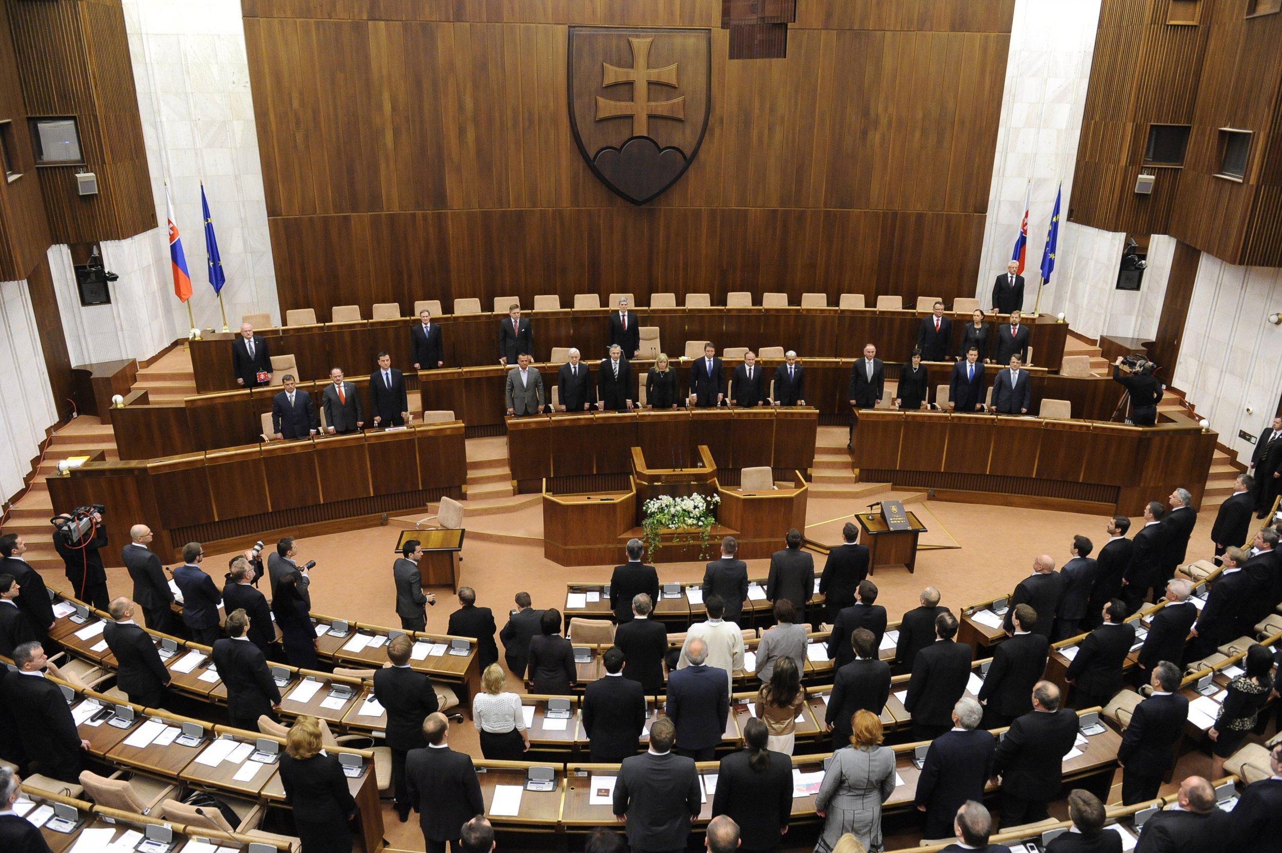 Znalezione obrazy dla zapytania slovakian parliament