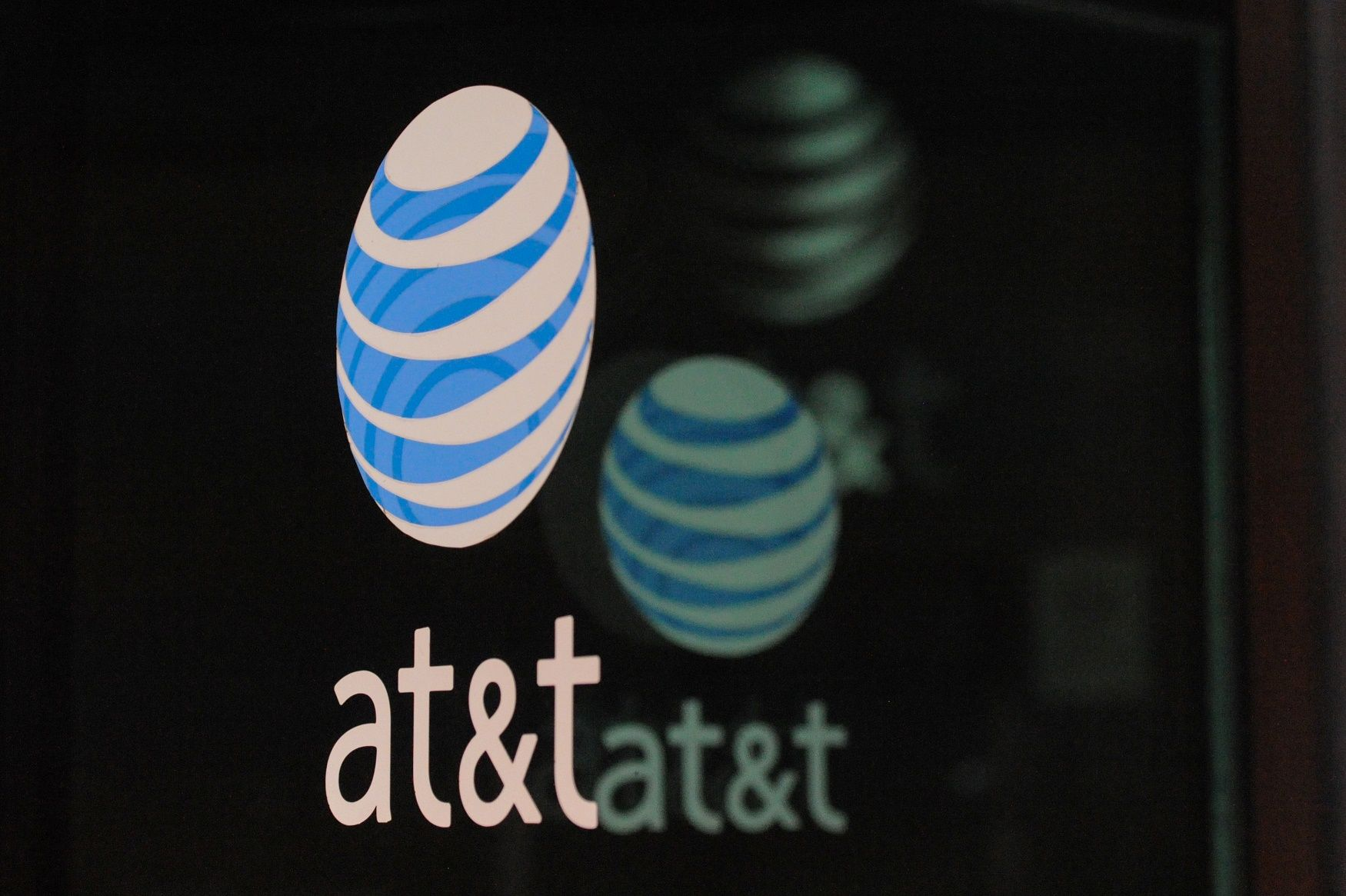 At&T hacking snowden fight for the future