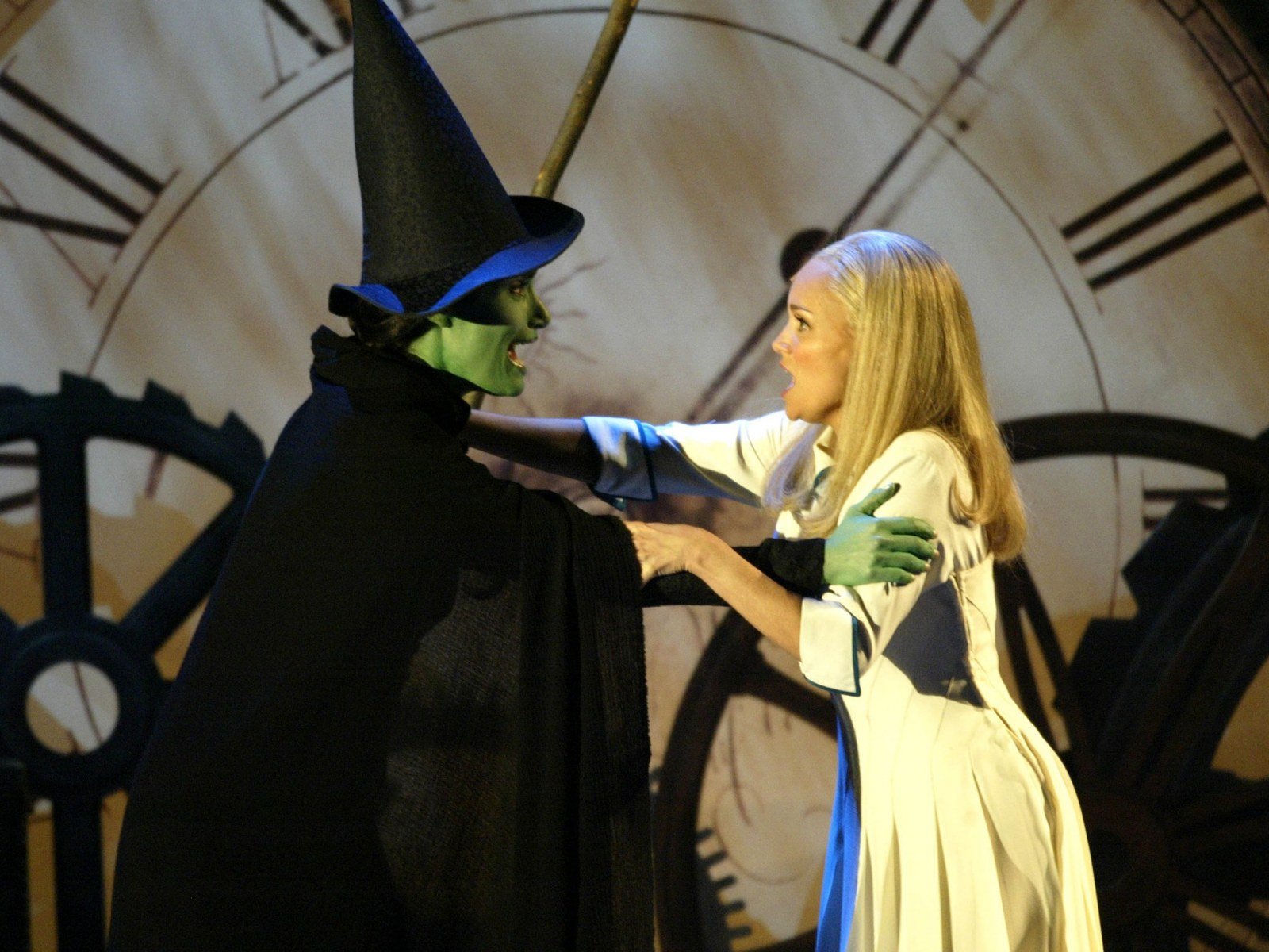 Exclusive Stephen Daldry Offers Update On Wicked Movie Adaptation