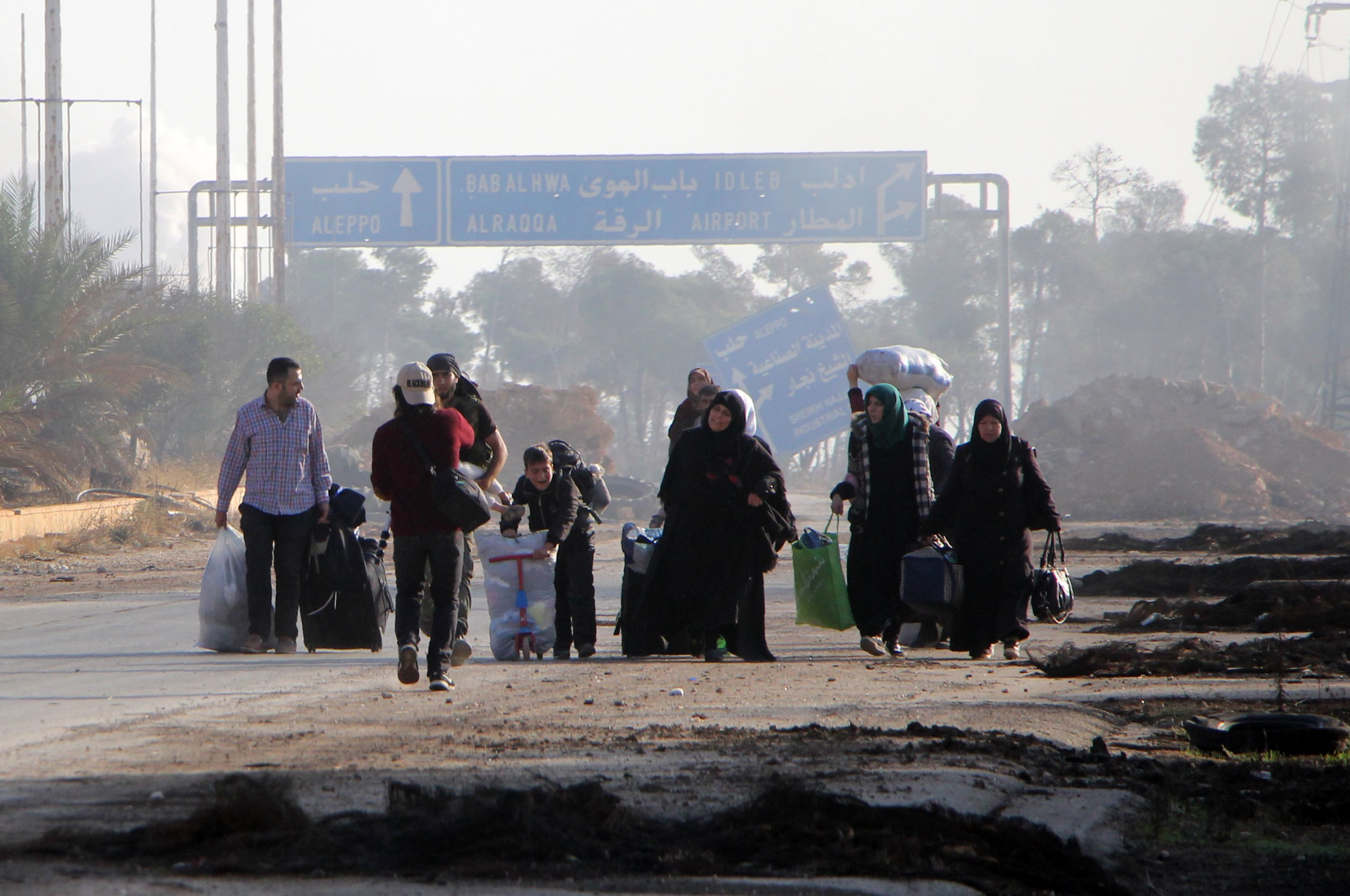 Aleppo residents fleeing city