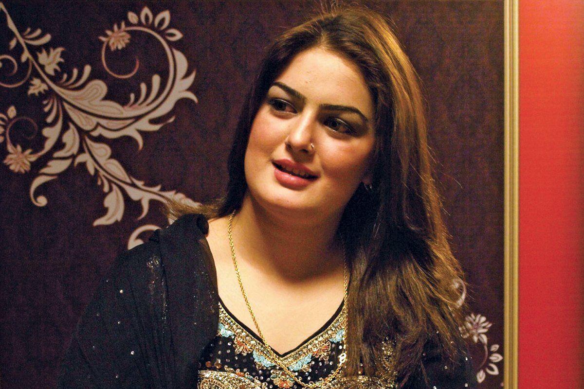 Pashto singer Ghazala Javed