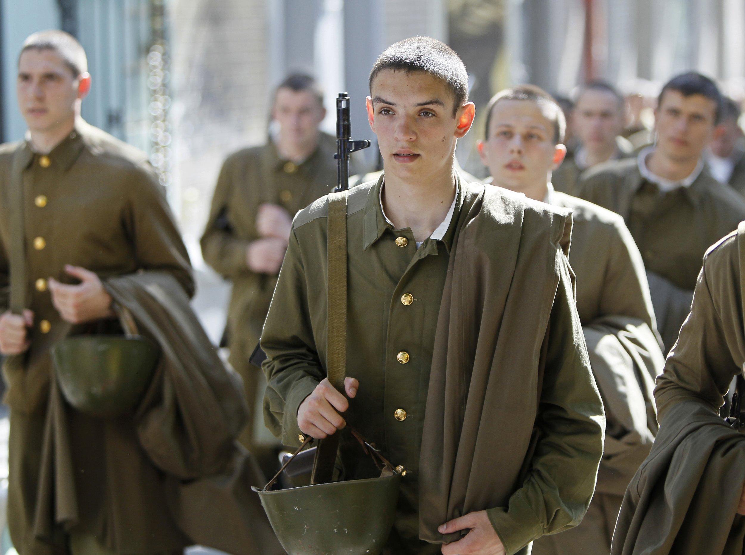 Ukraine Students Prepare For a Russian Invasion