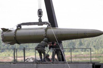 11_04_Russia_Nukes_01