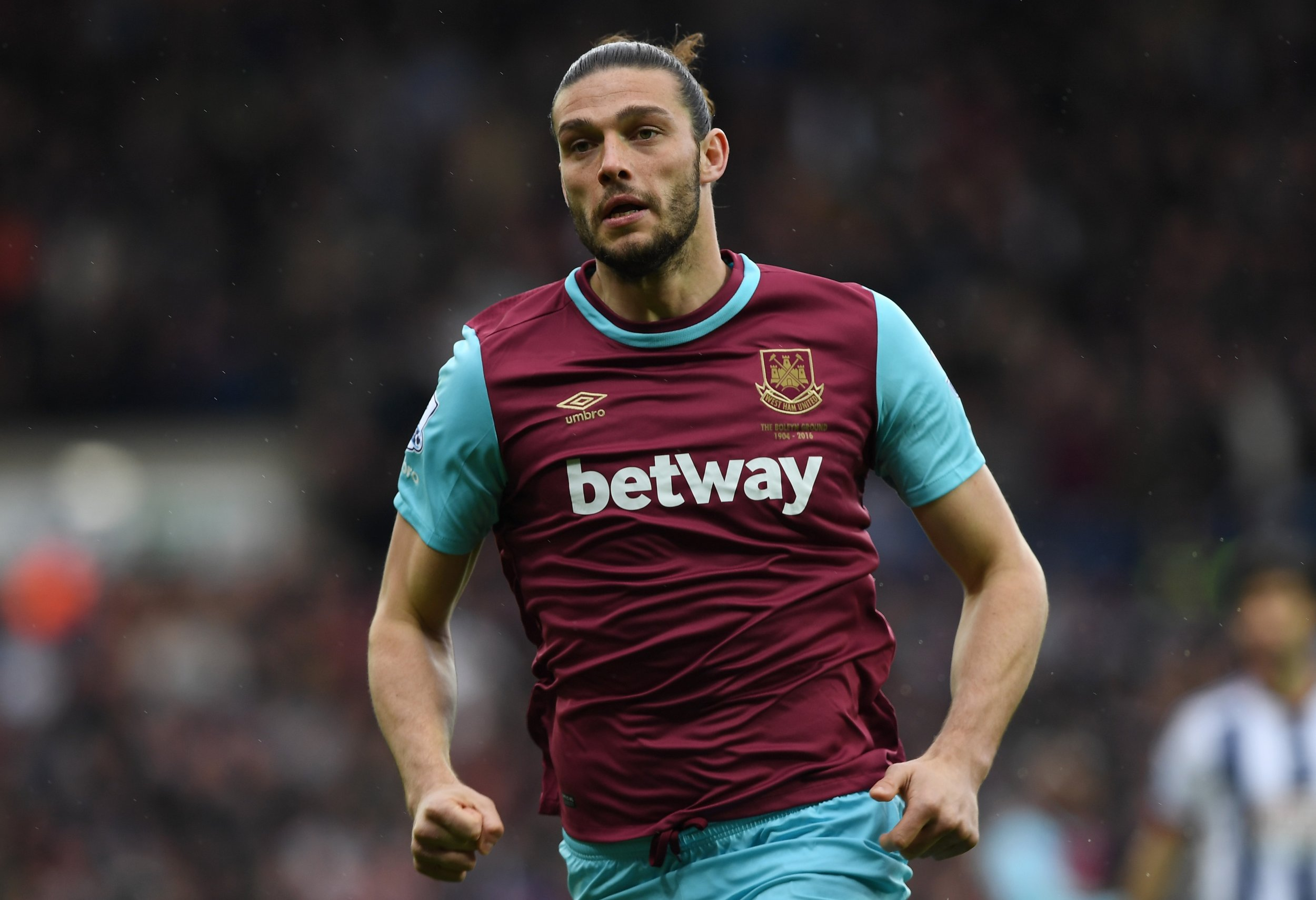 Premier League Footballer Andy Carroll Chased By Armed Motorcyclists