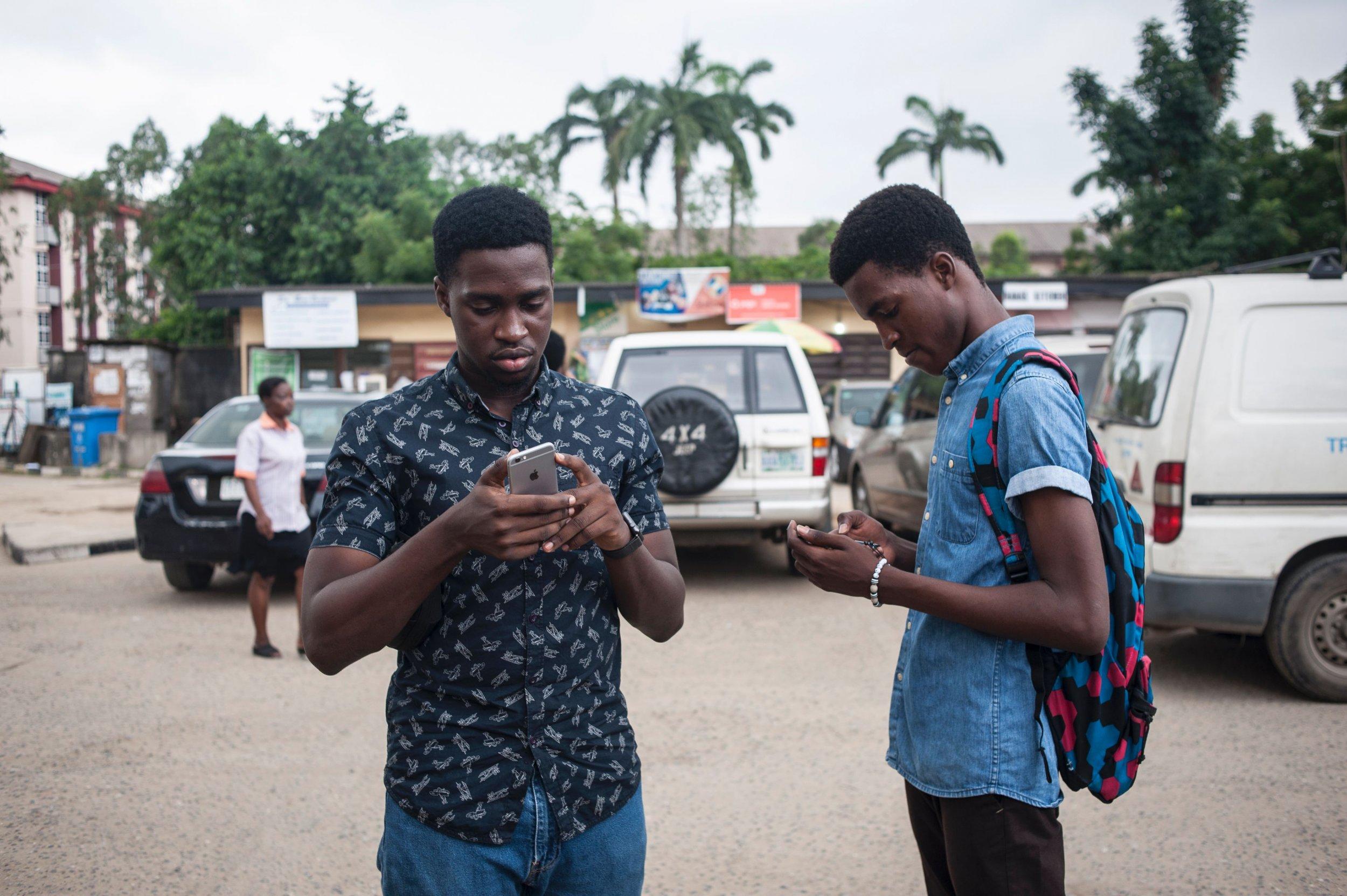 Nigerian students smartphones