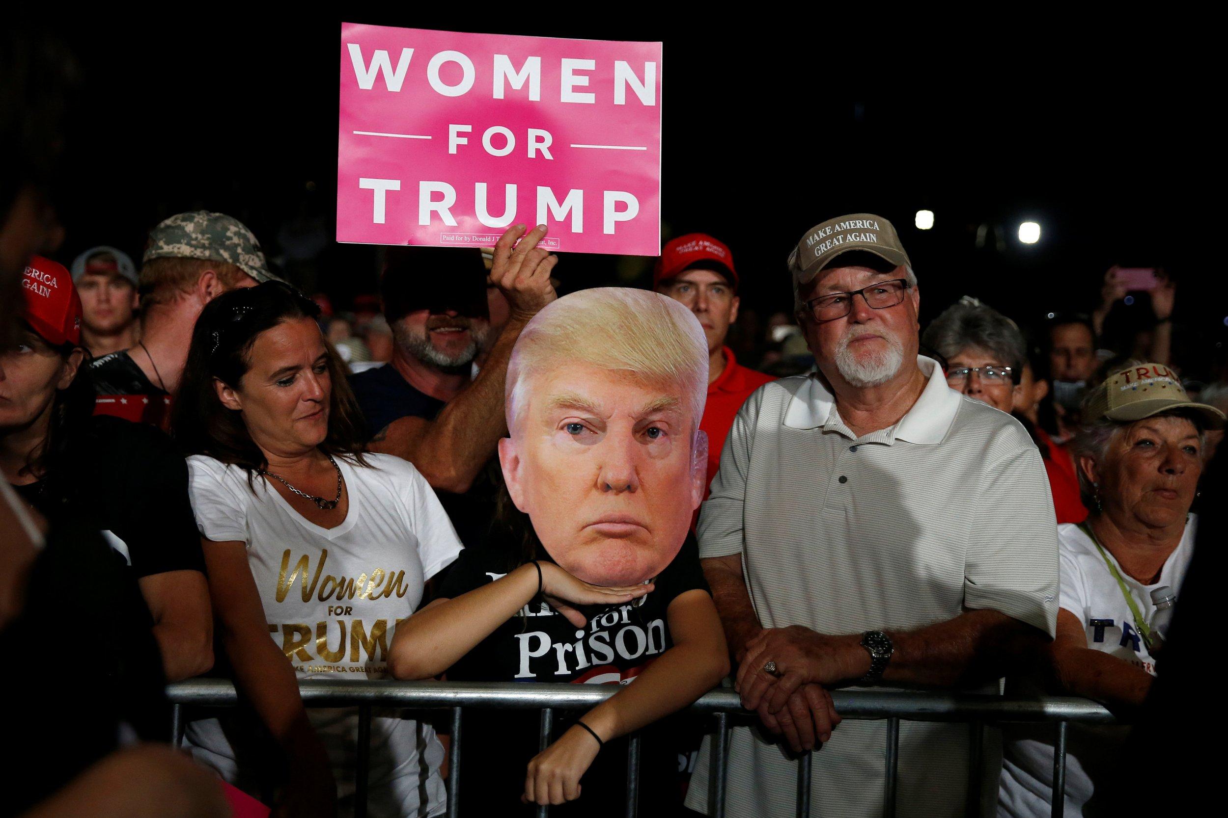 polls_trump_clinton_1103