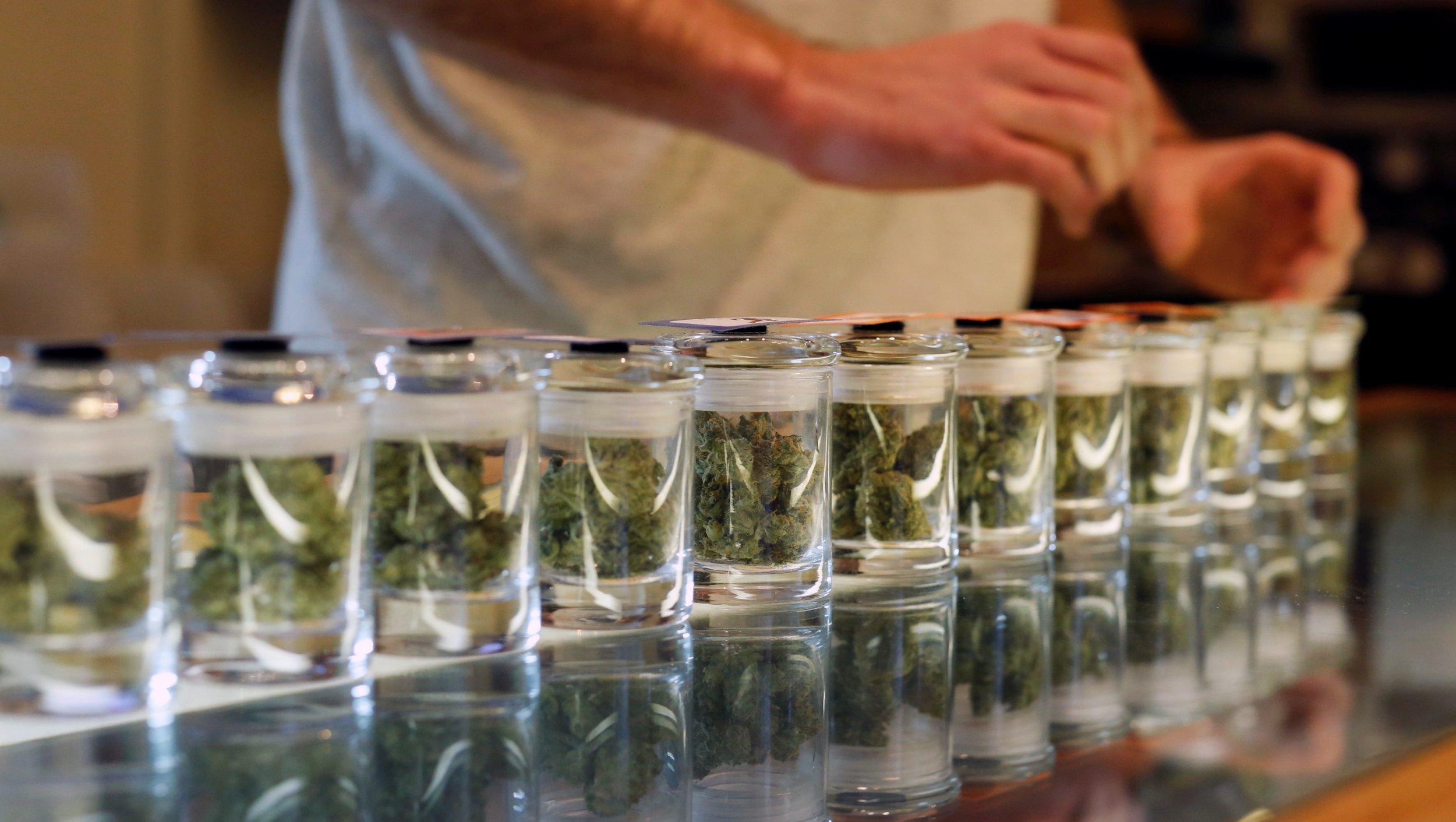 11_03_marijuana_01