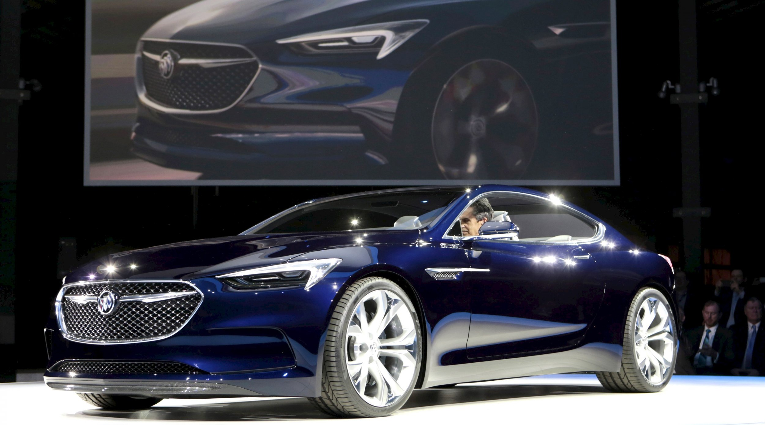 General Motors China sales go into reverse as market stalls