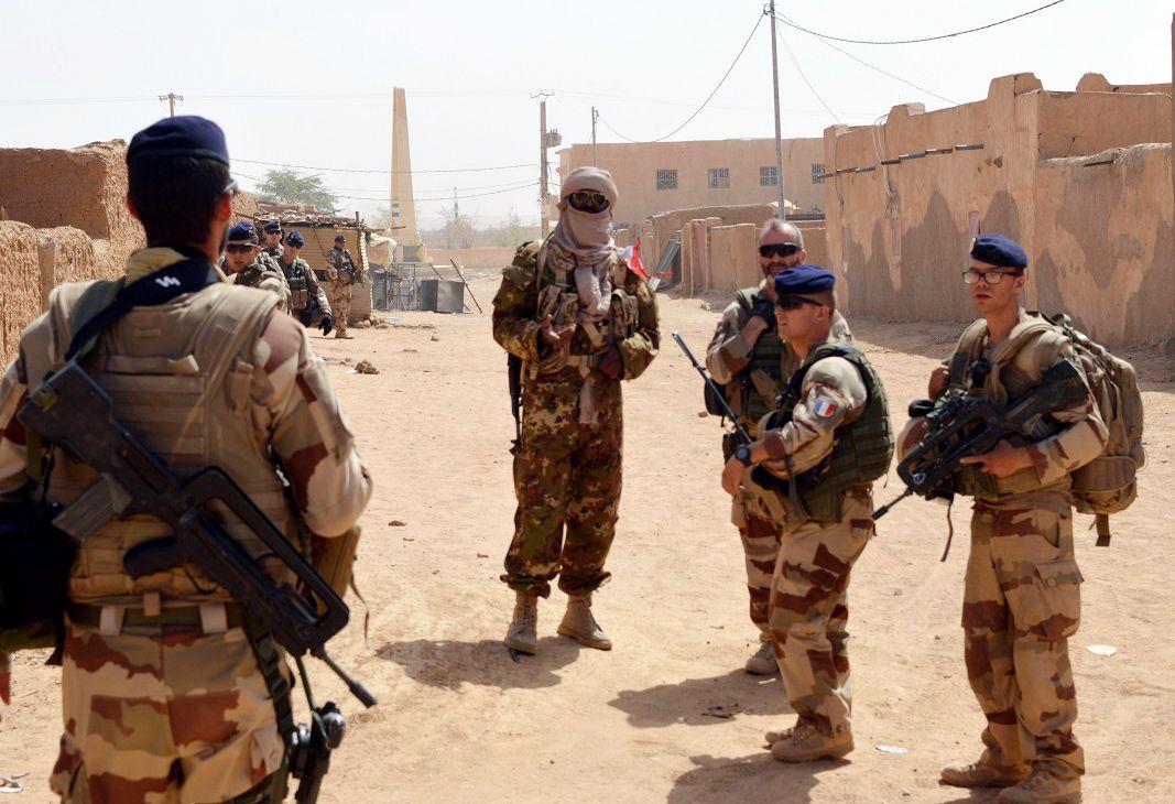 Mali military patrol